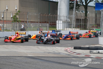 Start: Sebastian Saavedra and James Hinchcliffe lead the field