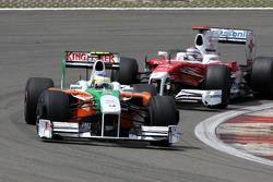 Giancarlo Fisichella, Force India F1 Team leads Jarno Trulli, Toyota F1 Team