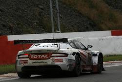 Ruined front tyre; #172 Eddy Renard Barwell Motorsport Aston Martin DBRS9: Eddy Renard, Koen Wauters, Jeffrey van Hooydonck, Julien Schroyen