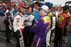 Greg Biffle, Roush Fenway Racing Ford, John Andretti, Earnhardt Ganassi Racing Chevrolet and Jamie McMurray, Roush Fenway Racing Ford