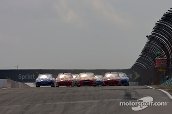 Restart: Marcos Ambrose, JTG Daugherty Racing Toyota leads the field
