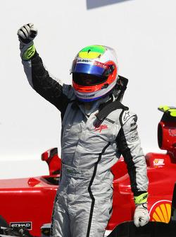 Race winner Rubens Barrichello, BrawnGP celebrates