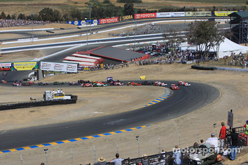 Start: Dario Franchitti, Target Chip Ganassi Racing leads the field