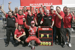 Nico Hulkenberg celebrates winning the 2009 GP2 Series championship with his team