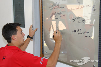 Graham Rahal, Newman/Haas/Lanigan Racing signs his name