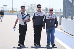 Dave O'Neill, Haas F1 Team Team Manager walks the circuit