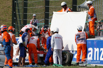 Timo Glock, Toyota F1 Team crashed at the last corner and is taken to hospital