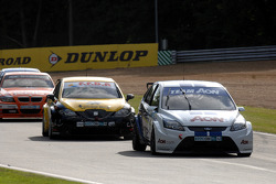 Tom Onslow-Cole leads Gordon Shedden and Stephen Jelley