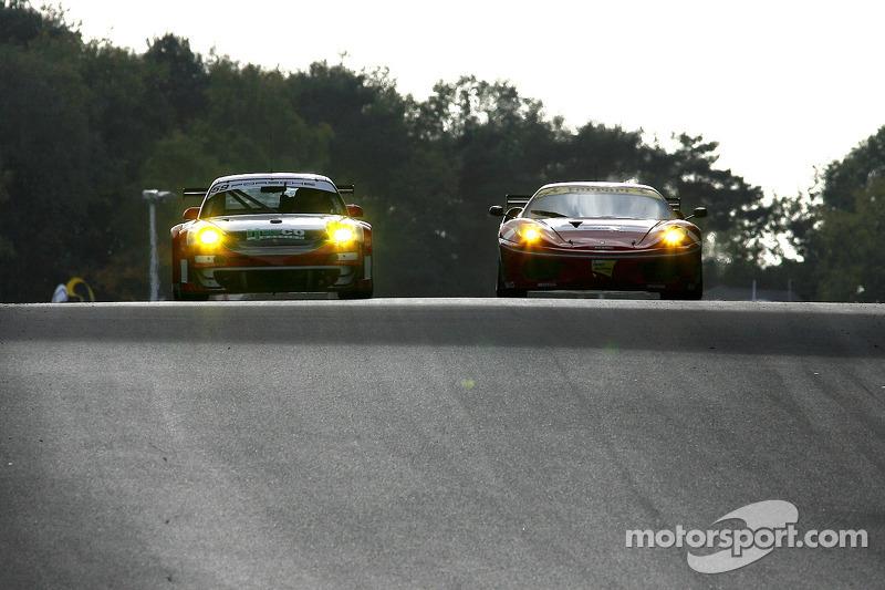 #59 Trackspeed Porsche 911 GT3 RSR: Jorg Bergmeister, Christian Mamerow, #77 BMS Scuderia Italia Ferrari F430: Matteo Malucelli, Paolo Ruberti