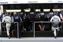Nico Rosberg, WilliamsF1 Team, Kazuki Nakajima, Williams F1 Team