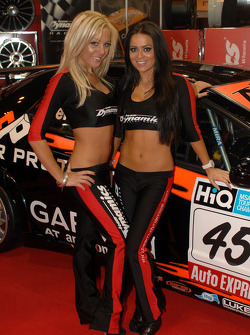 Team Dynamics grid girls