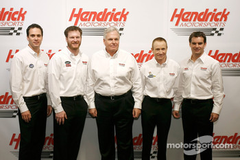 Jimmie Johnson, Dale Earnhardt Jr., RIck Hendrick, Mark Martin and Jeff Gordon pose for a team picture at Hendrick Motorsports