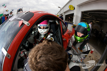 Drivers change practice for #64 JLowe Racing Porsche GT3: Jim Lowe, Eric Lux, Jim Pace, Tim Sugden, James Walker