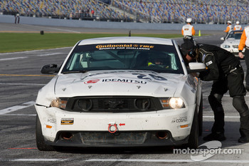 Pit stop for #29 Racers Edge Motorsports Mustang Boss 302R: Jade Buford, David Empringham