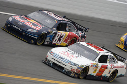 Kasey Kahne, Richard Petty Motorsports Ford and Brian Vickers, Red Bull Racing Team Toyota battle for the lead