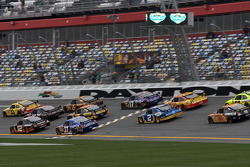 Clint Bowyer, Richard Childress Racing Chevrolet leads a group of cars