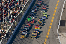 Clint Bowyer, Richard Childress Racing Chevrolet and Elliott Sadler, Richard Petty Motorsports Ford battle for the lead