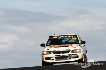 #29 VIP Petfoods, Mitsubishi Evo 9 RS: Tony Quinn, Klark Quinn, Max Twigg