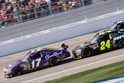 Matt Kenseth, Roush Fenway Racing Ford and Jeff Gordon, Hendrick Motorsports Chevrolet