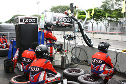 Andretti Autosport team members watch race action