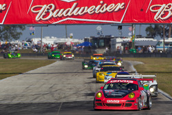 #32 GMG Racing Porsche 911 GT3 Cup: Bret Curtis, James Sofronas, Andy Pilgrim