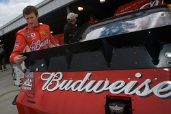 Kasey Kahne, Richard Petty Motorsports Ford looks at the new spoiler