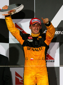 Podium: second place Robert Kubica, Renault F1 Team