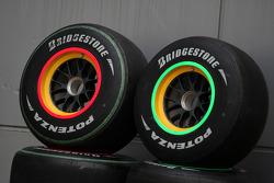 The bridgestone tyres from the Lotus F1 Team