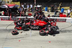 Marco Andretti, Andretti Autosport makes a pitstop