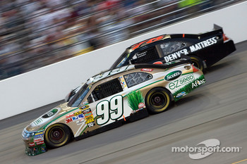 Carl Edwards, Roush Fenway Racing Ford and Regan Smith, Furniture Row Racing Chevrolet