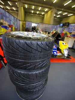 Michelin tires in the Team Oreca Matmut pit