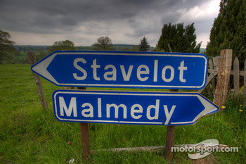 Tour of the old Spa Francorchamps track: road sign at Masta