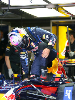Sebastian Vettel, Red Bull Racing getting in the car