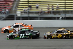 Denny Hamlin, Joe Gibbs Racing Toyota and David Ragan, Roush Fenway Racing Ford