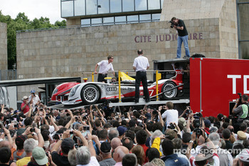 #7 Audi Sport Team Joest Audi R15 is unloaded
