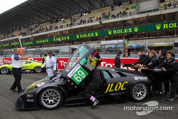 #69 JLOC Lamborghini Murcielago on starting grid