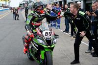 World Superbike Photos - Tom Sykes, Kawasaki Racing Team, race winner, with race engineer Marcel Duinker