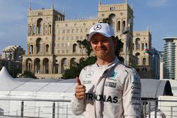 Pole for Nico Rosberg, Mercedes AMG Petronas F1 W07