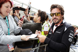 Fernando Alonso, McLaren signs autographs for the fans