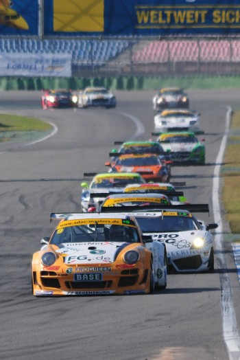 ADAC GT Masters Race 2 - Asch / Hageleit beeing chased by a big pack of cars