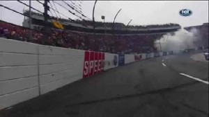 Green, White, Checkered Flag, Wreck - Goody's Fast Pain Relief 500 - Martinsville - 2012