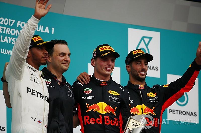 """Vivendo ano difícil, Verstappen celebra vitória """"incrível"""""""