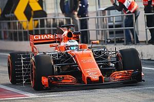 """【F1】バルセロナ合同テスト初日。マクラーレンに""""オイル系""""トラブル"""