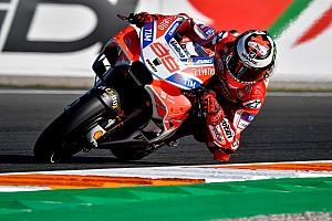 MotoGP フリー走行レポート バレンシアGP:初日はロレンソがトップタイム。マルケスはFP2で転倒
