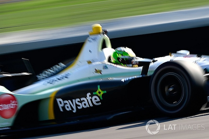 Claman De Melo passes Indy rookie test
