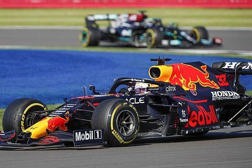Эксперт рассказал, что помогло Mercedes в борьбе с Red Bull