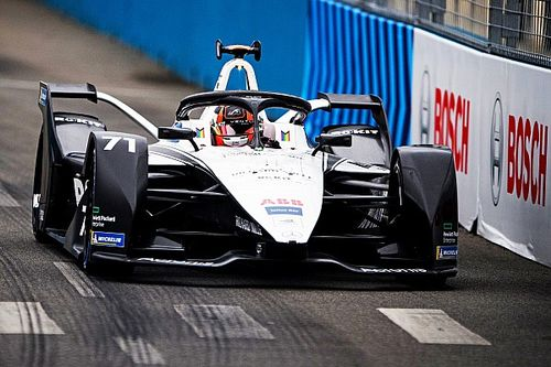 """Susie Wolff: """"One Wolff in Formula One is enough!"""""""