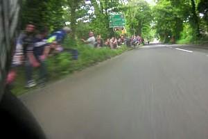 Straßenrennen Feature 17 Minuten Adrenalinkick: Die TT-Rekordrunde im Onboard-Video!