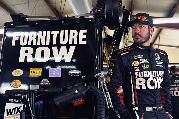 NASCAR Cup Martin Truex acepta que le regaló el triunfo a Kyle Larson