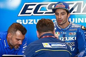 MotoGP Breaking news Insiden terjatuhnya Iannone di pit lane